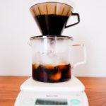 アイスコーヒーを作っている風景