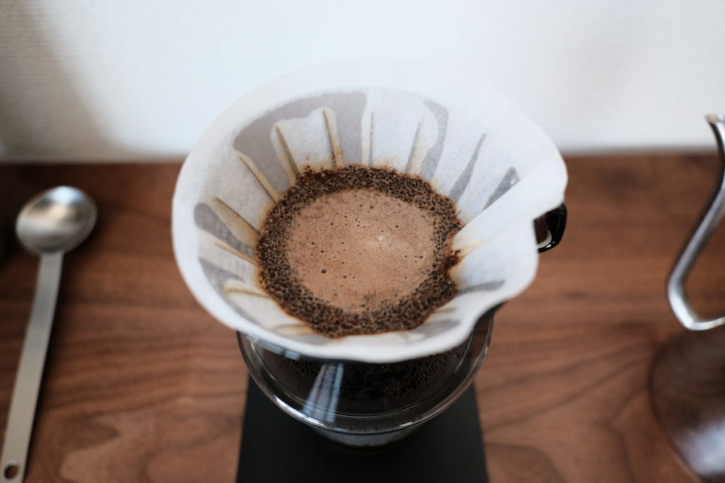ドリップコーヒーを淹れている画像