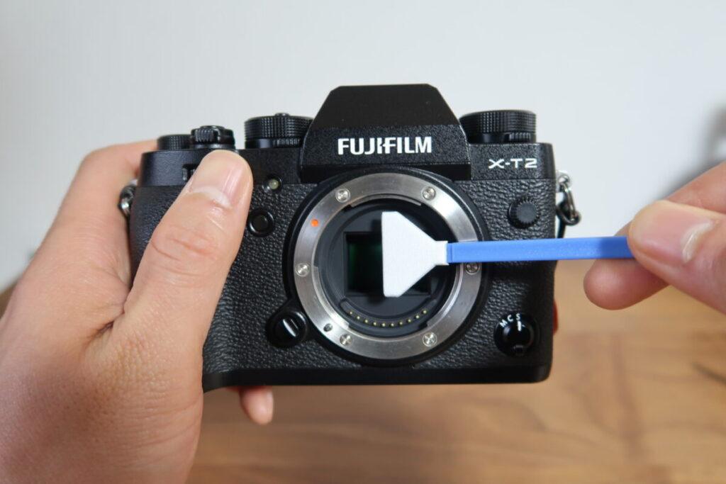 カメラのイメージセンサーを掃除する画像3
