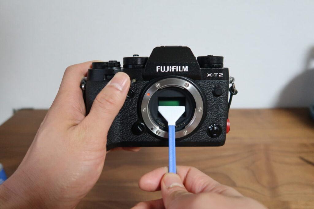 カメラのイメージセンサーを掃除する画像2